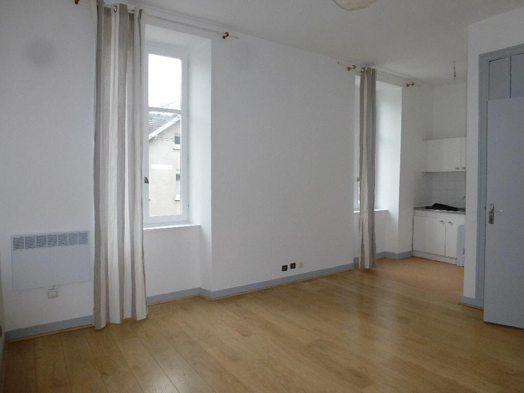 Appartement à louer 1 25.74m2 à Limoges vignette-2