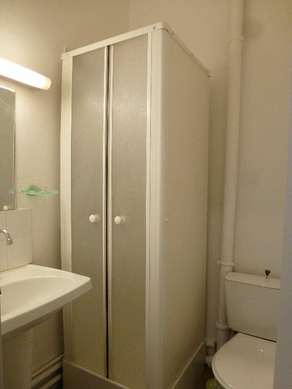 Appartement à louer 1 25.74m2 à Limoges vignette-5