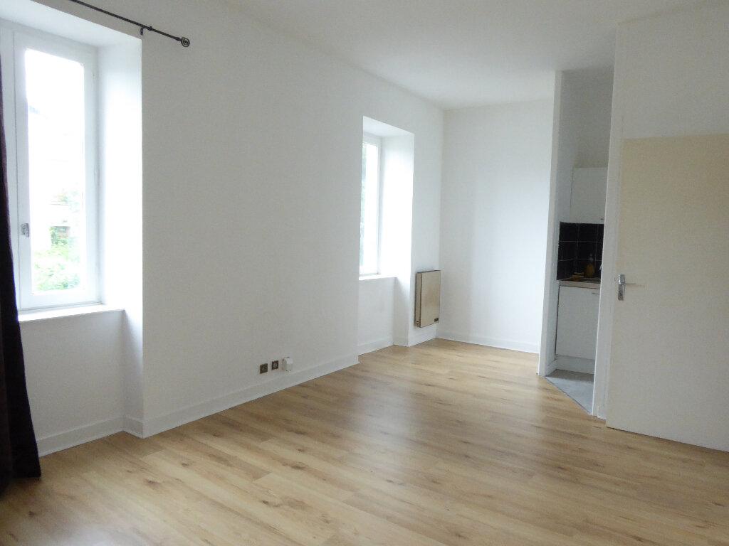 Appartement à louer 1 24.57m2 à Limoges vignette-1