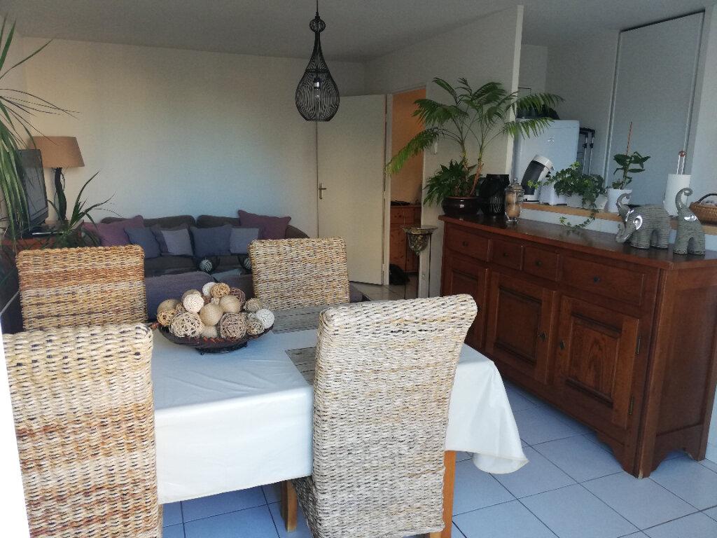 Appartement à louer 3 58m2 à Limoges vignette-2