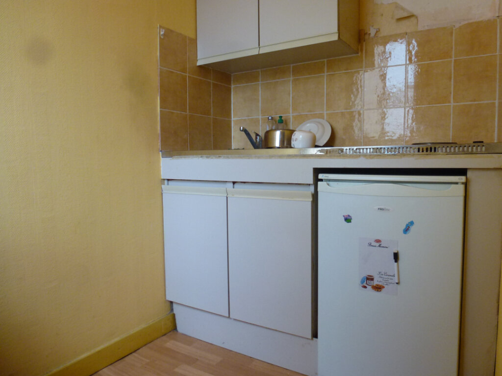 Appartement à louer 1 28m2 à Limoges vignette-5