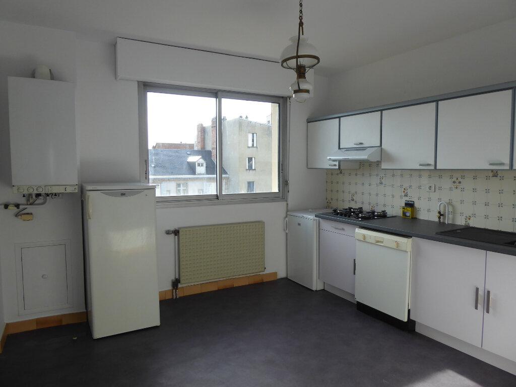 Appartement à louer 3 73.33m2 à Limoges vignette-3