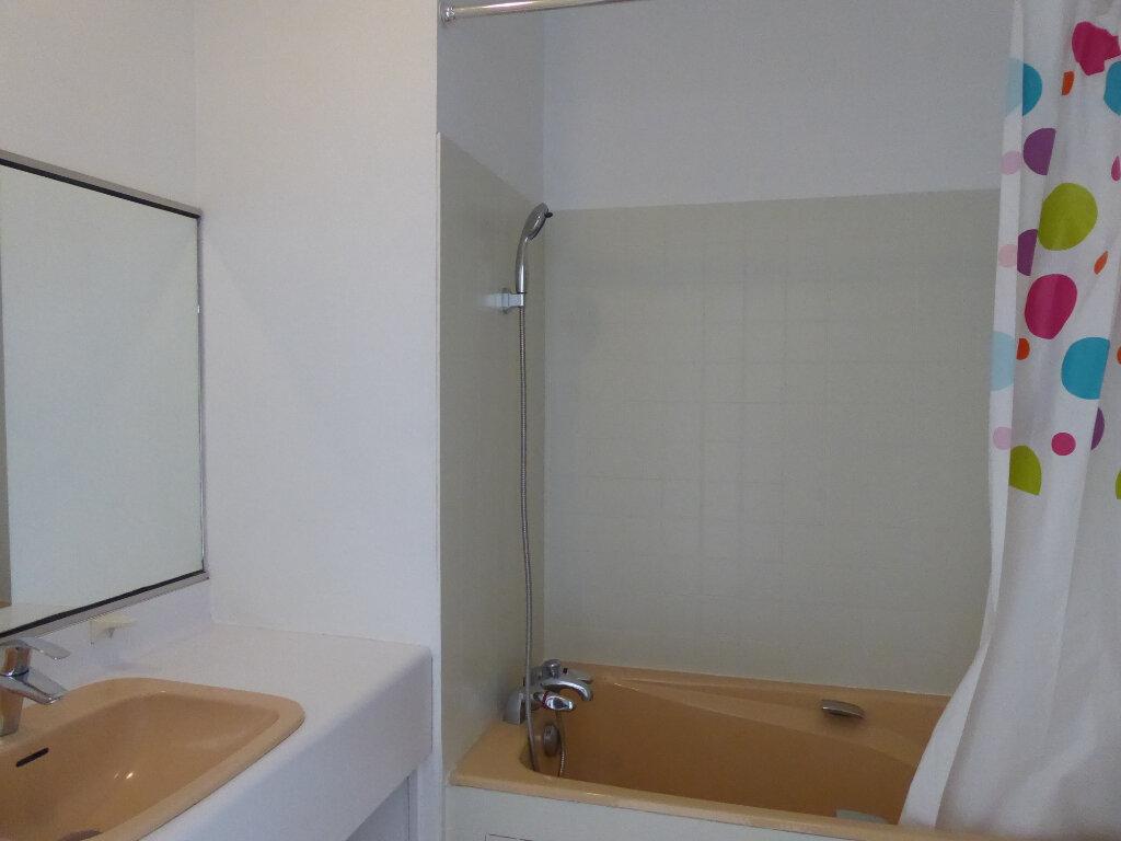 Appartement à louer 3 73.33m2 à Limoges vignette-4