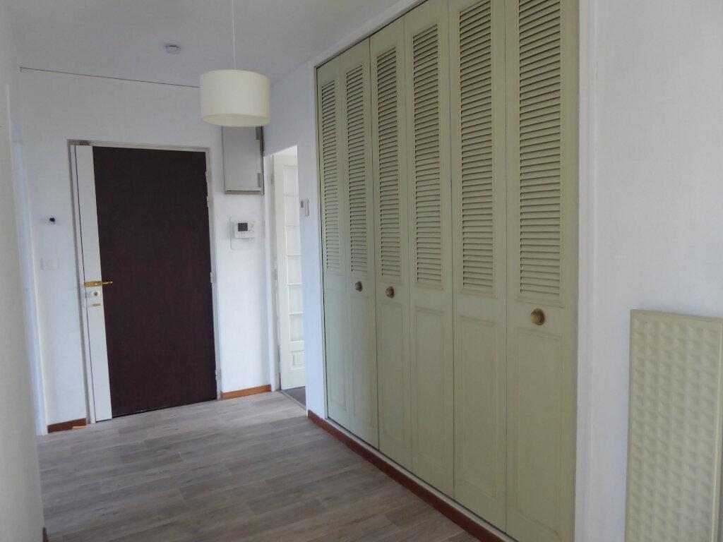Appartement à louer 3 73.33m2 à Limoges vignette-5
