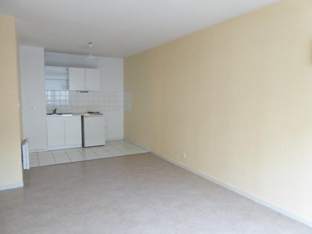 Appartement à louer 2 38.04m2 à Limoges vignette-1
