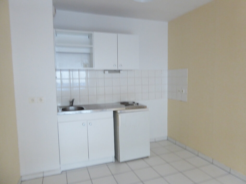 Appartement à louer 2 38.04m2 à Limoges vignette-2