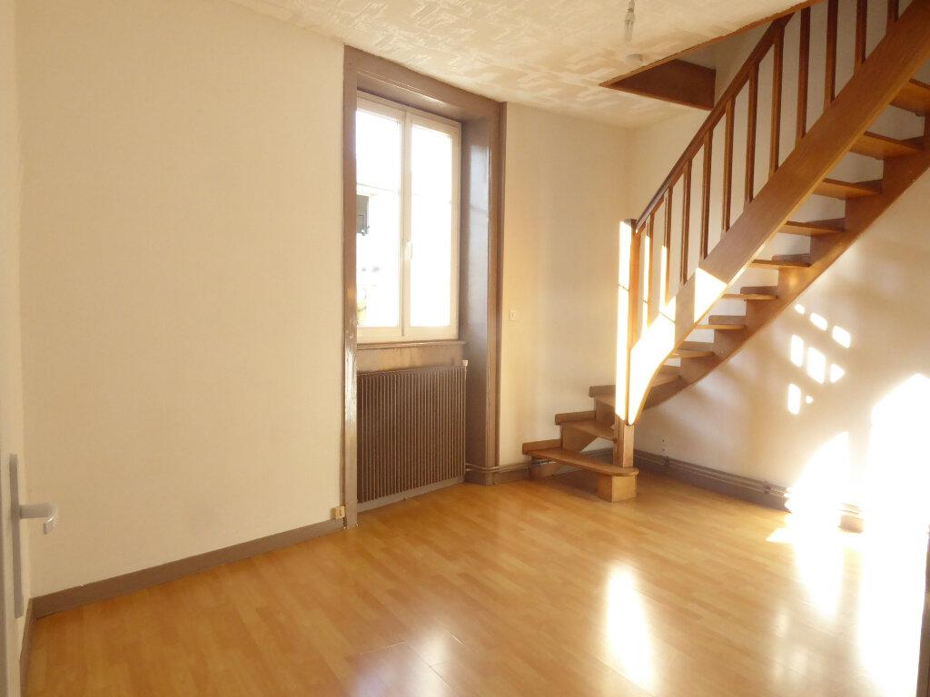 Appartement à louer 3 50.03m2 à Limoges vignette-2