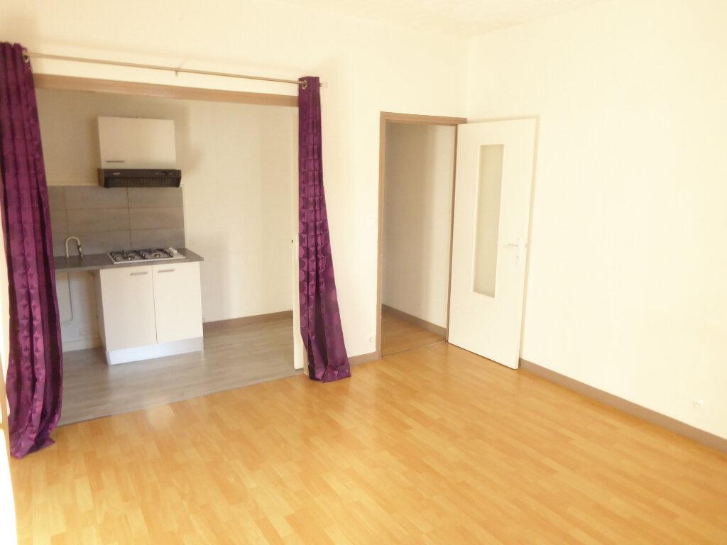 Appartement à louer 3 50.03m2 à Limoges vignette-4