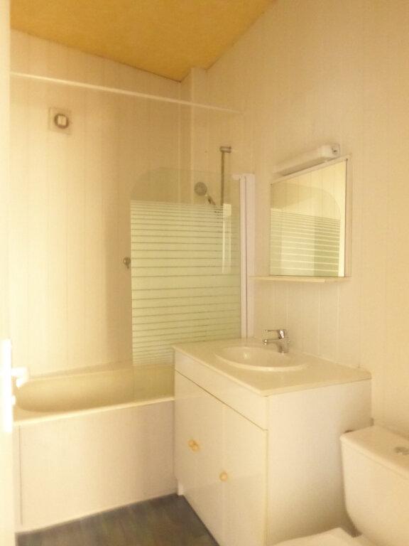 Appartement à louer 3 50.03m2 à Limoges vignette-8
