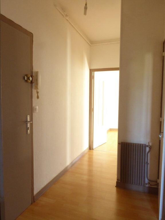 Appartement à louer 3 50.03m2 à Limoges vignette-9