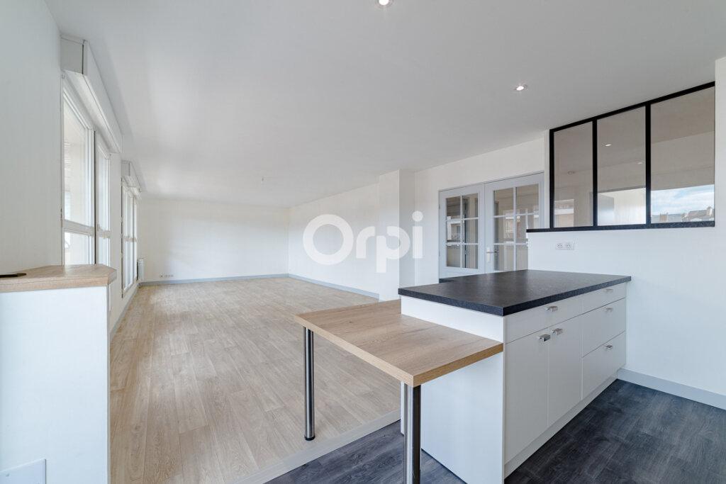 Appartement à louer 4 129.3m2 à Limoges vignette-2