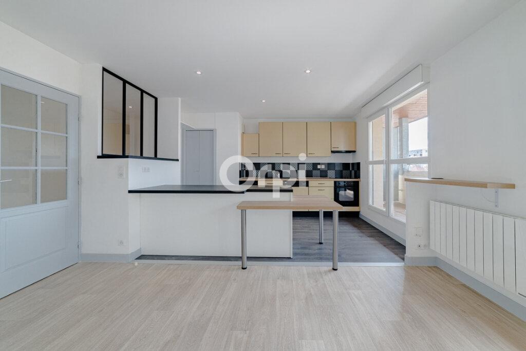 Appartement à louer 4 129.3m2 à Limoges vignette-3