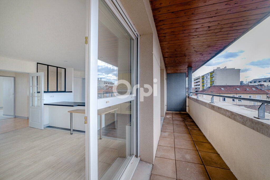 Appartement à louer 4 129.3m2 à Limoges vignette-5