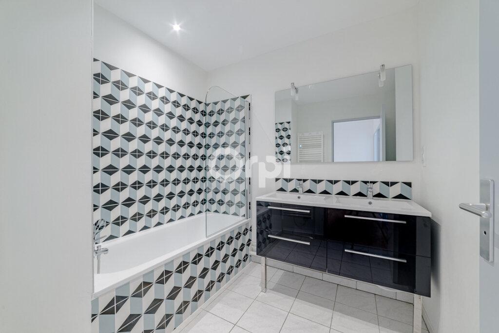 Appartement à louer 4 129.3m2 à Limoges vignette-7