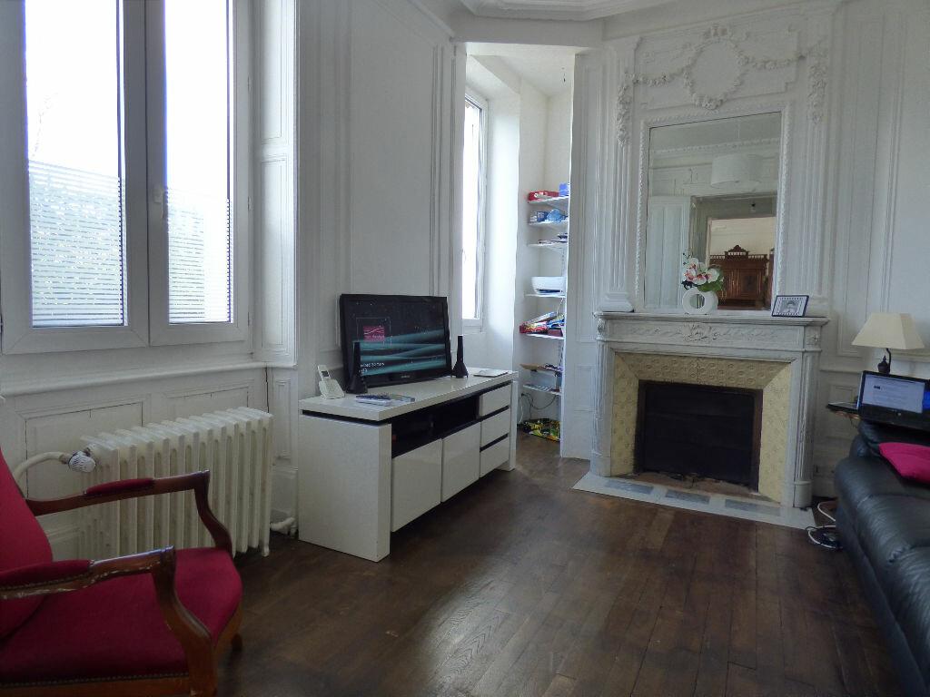 Maison à louer 10 220m2 à Limoges vignette-3