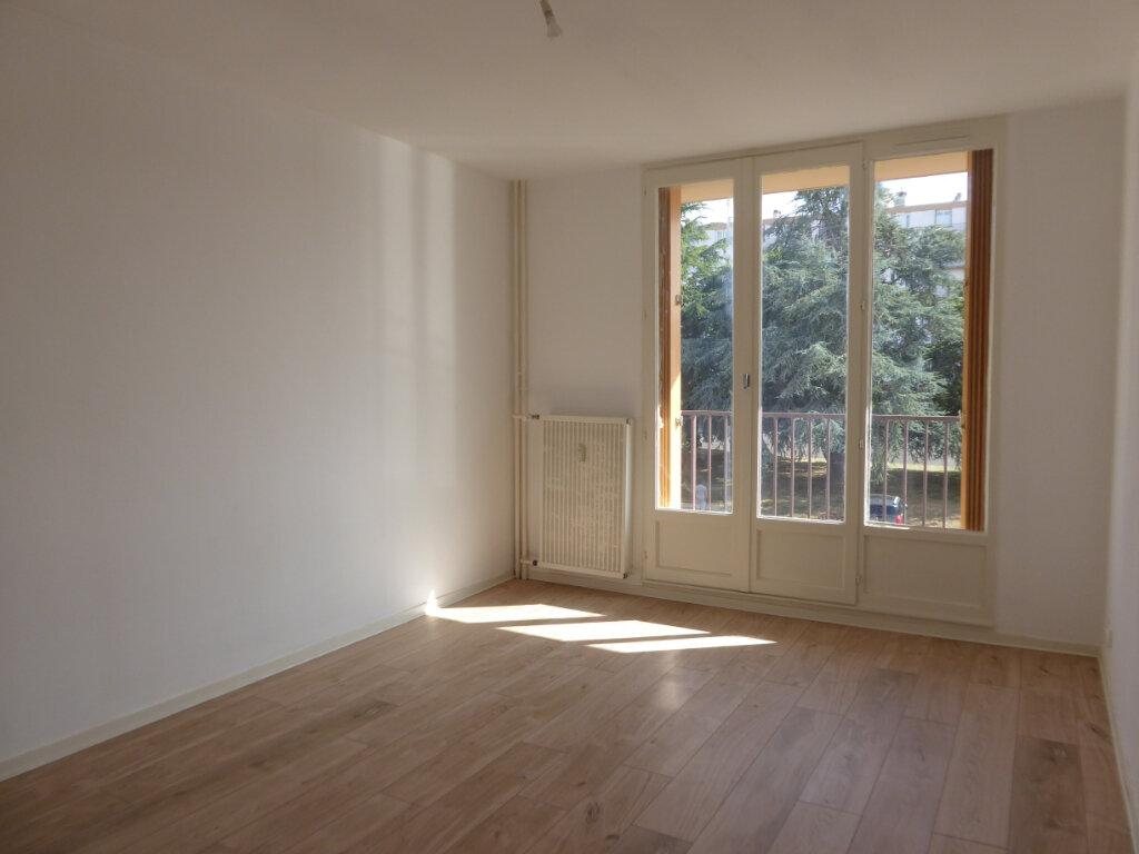 Appartement à louer 2 50.08m2 à Limoges vignette-3