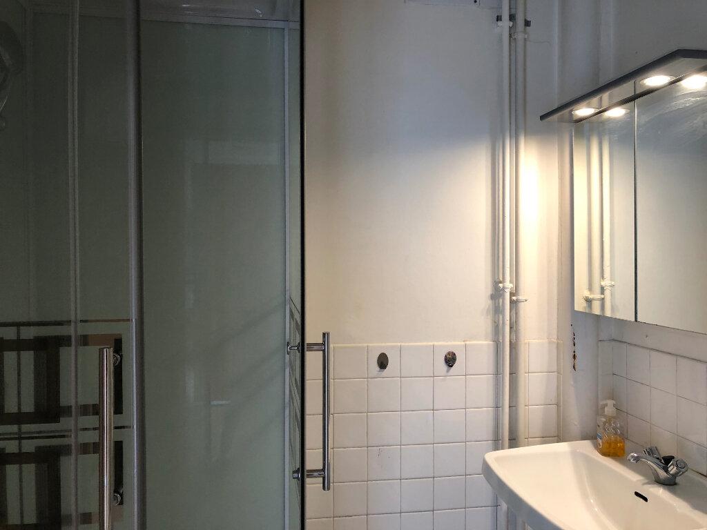 Appartement à louer 1 28.25m2 à Limoges vignette-3