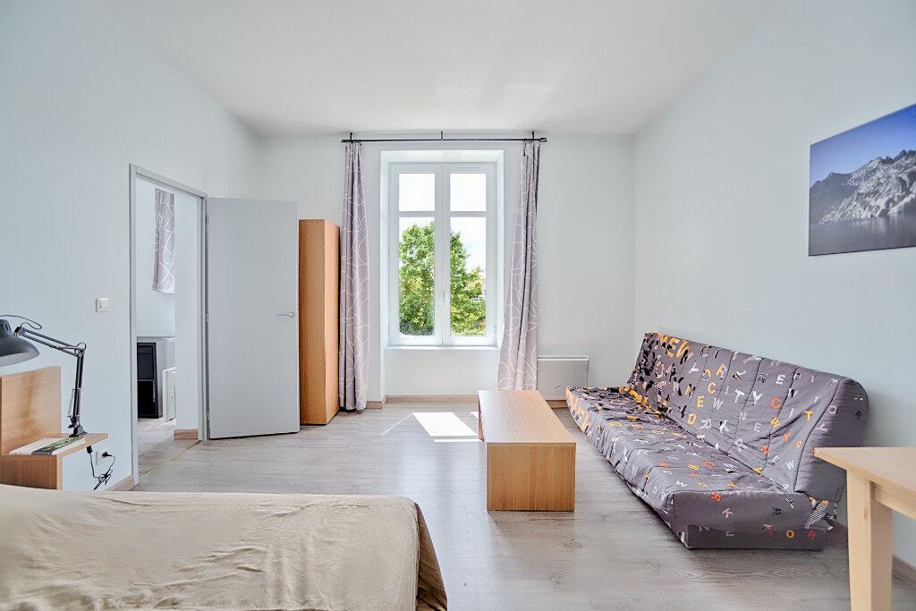 Appartement à louer 1 33.73m2 à Limoges vignette-1