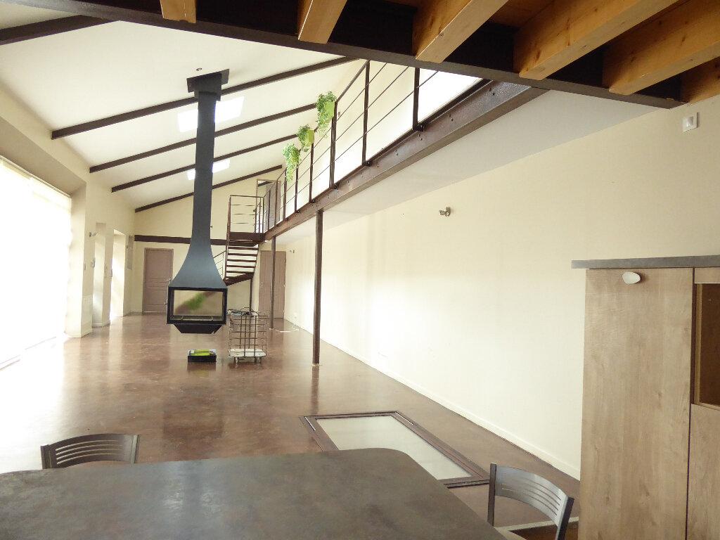 Appartement à louer 4 152m2 à Limoges vignette-1