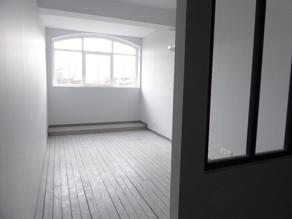 Appartement à louer 4 112m2 à Limoges vignette-2