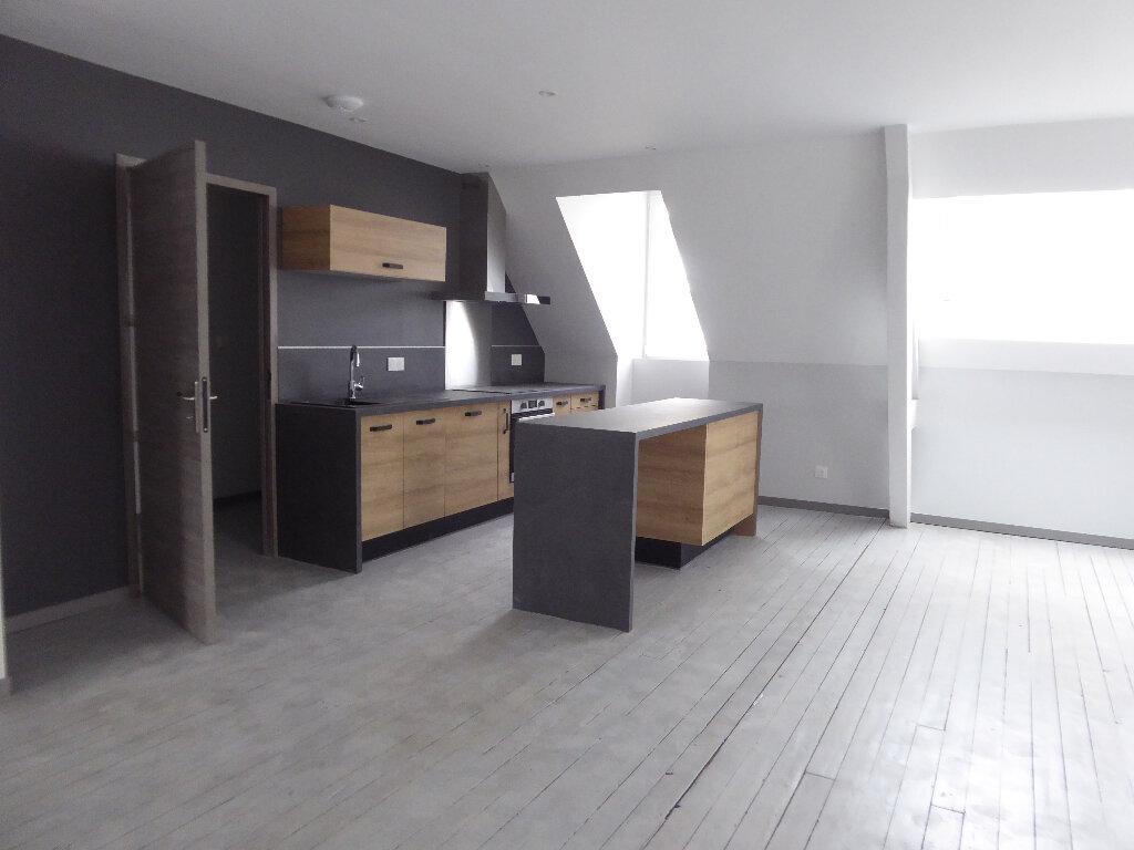 Appartement à louer 4 112m2 à Limoges vignette-3