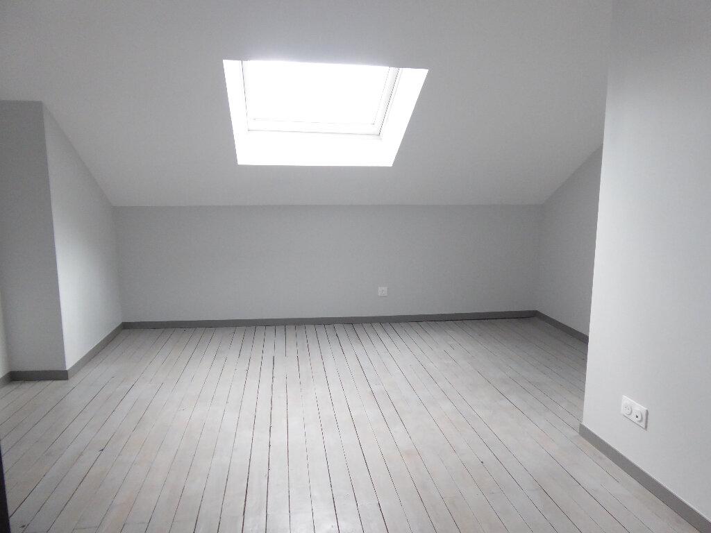 Appartement à louer 4 112m2 à Limoges vignette-4