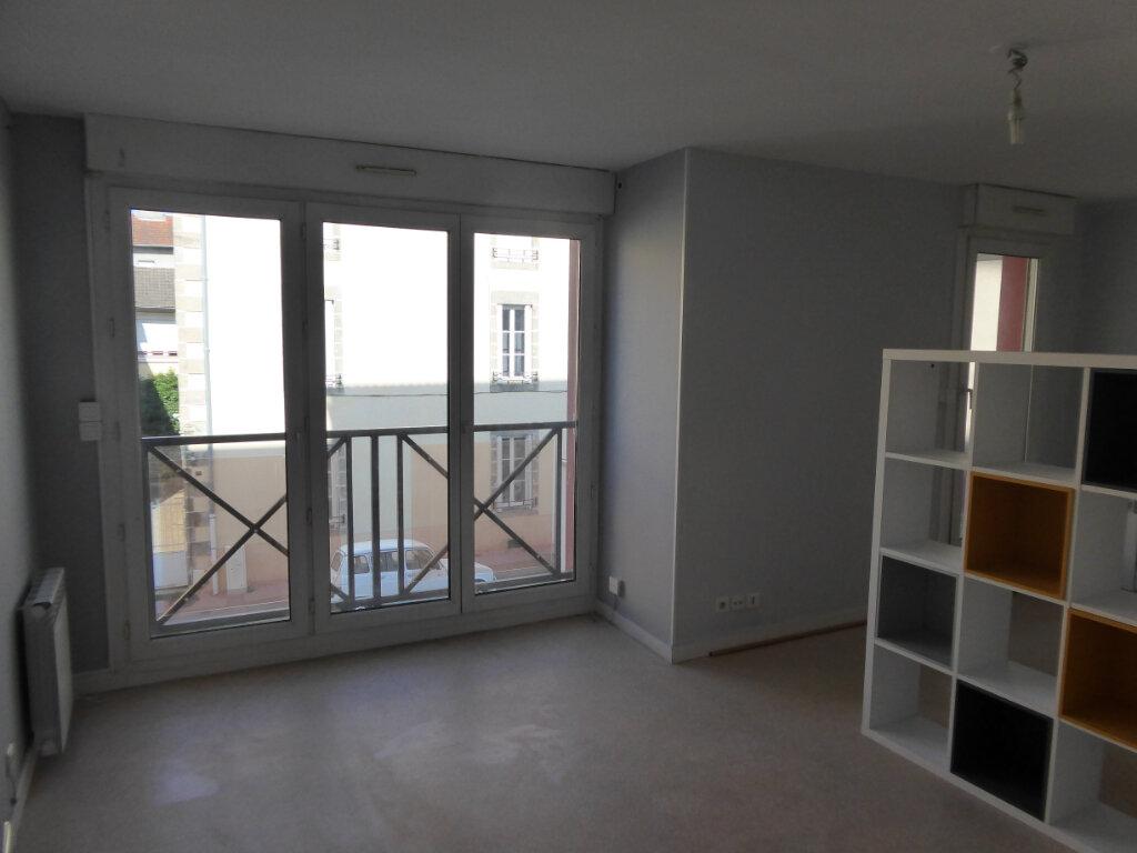 Appartement à louer 1 31.83m2 à Limoges vignette-2