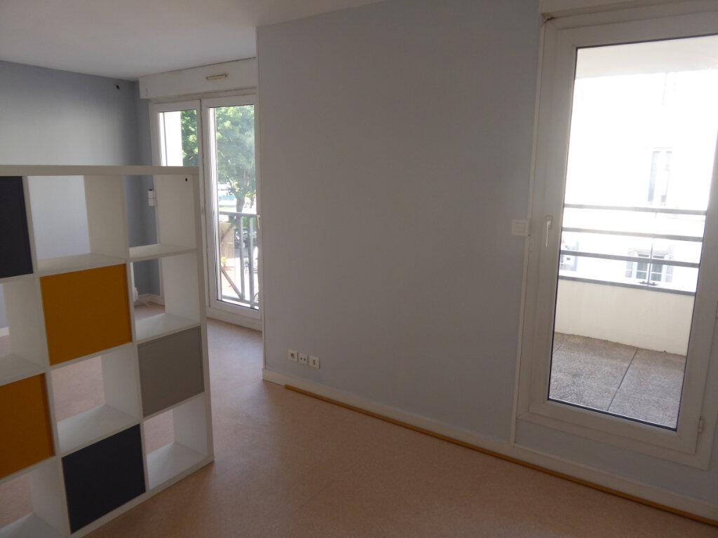 Appartement à louer 1 31.83m2 à Limoges vignette-3