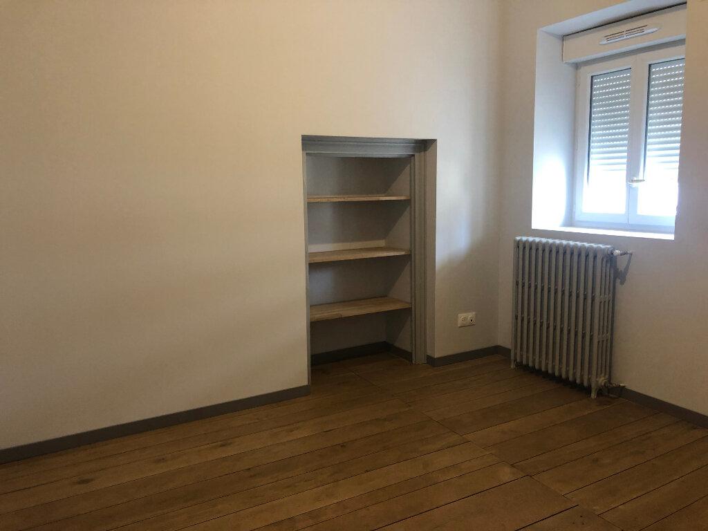 Appartement à louer 4 121m2 à Limoges vignette-3