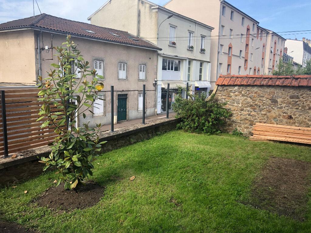 Appartement à louer 4 121m2 à Limoges vignette-4