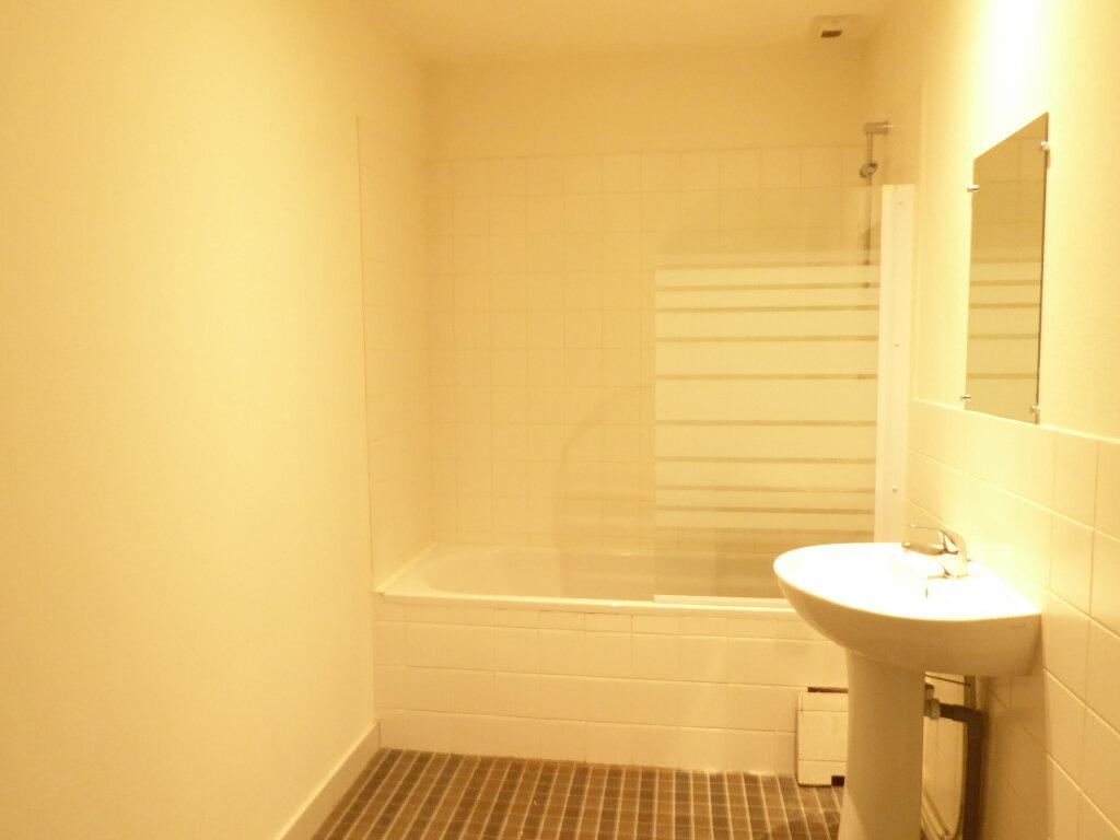 Appartement à louer 3 77.2m2 à Limoges vignette-5