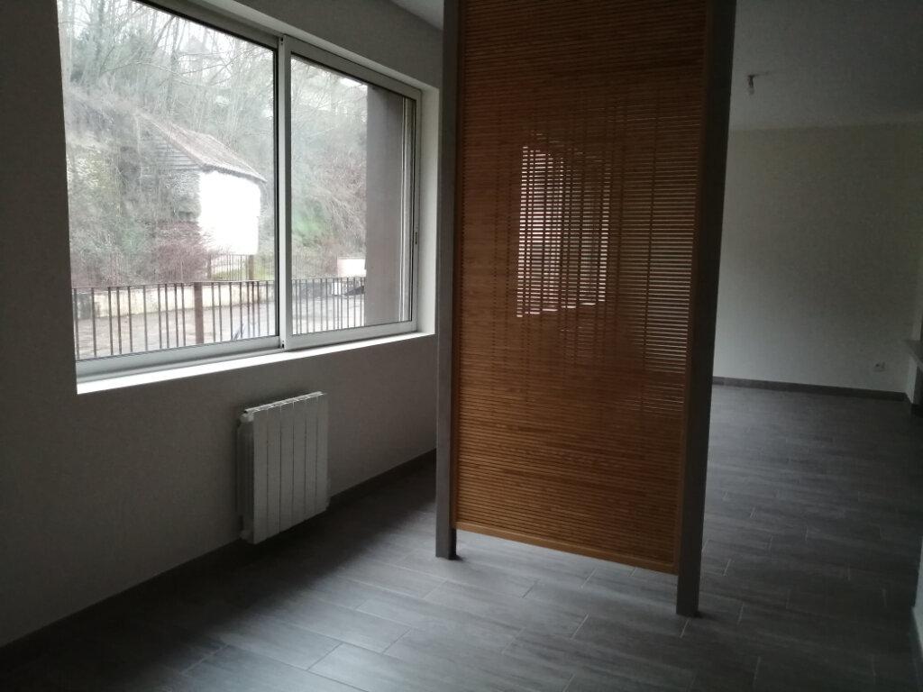 Appartement à louer 1 39m2 à Aixe-sur-Vienne vignette-3