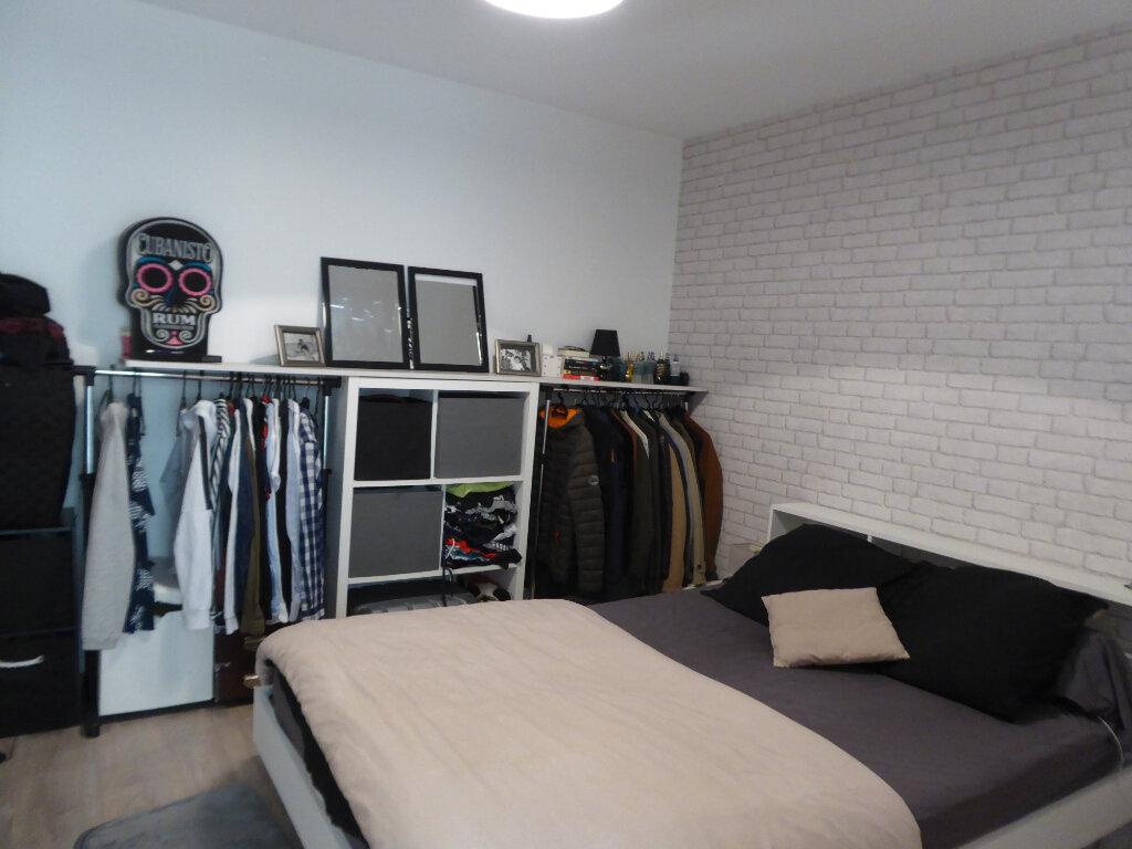 Appartement à louer 2 34.13m2 à Limoges vignette-2