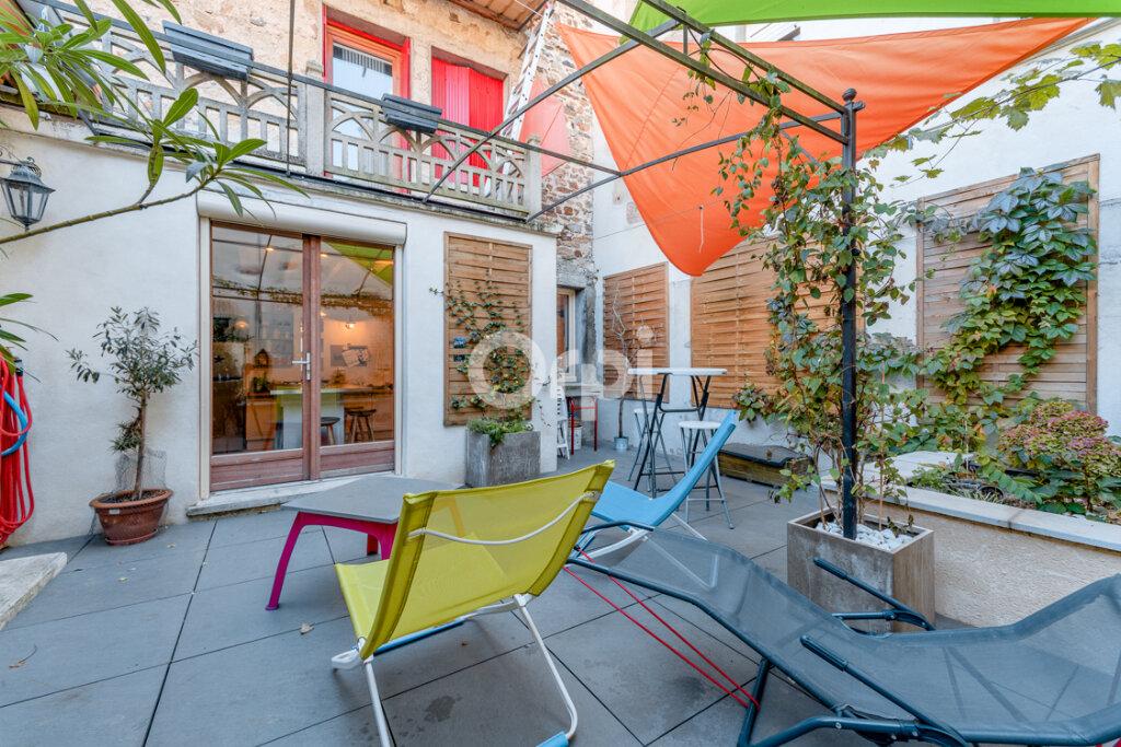 Maison à vendre 8 238m2 à Saint-Junien vignette-1