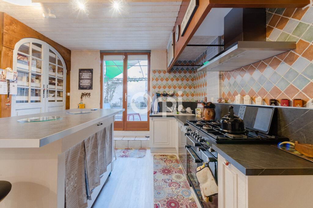 Maison à vendre 8 238m2 à Saint-Junien vignette-5