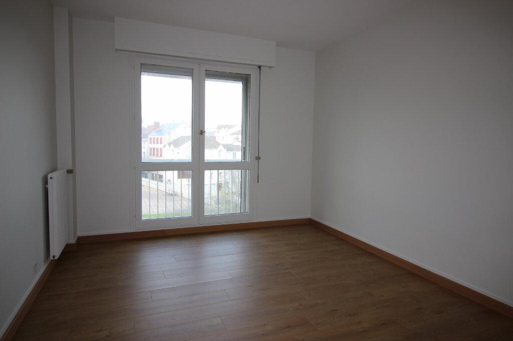 Appartement à louer 3 71.14m2 à Limoges vignette-2
