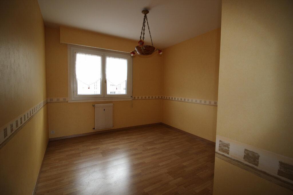Appartement à louer 3 71.14m2 à Limoges vignette-4