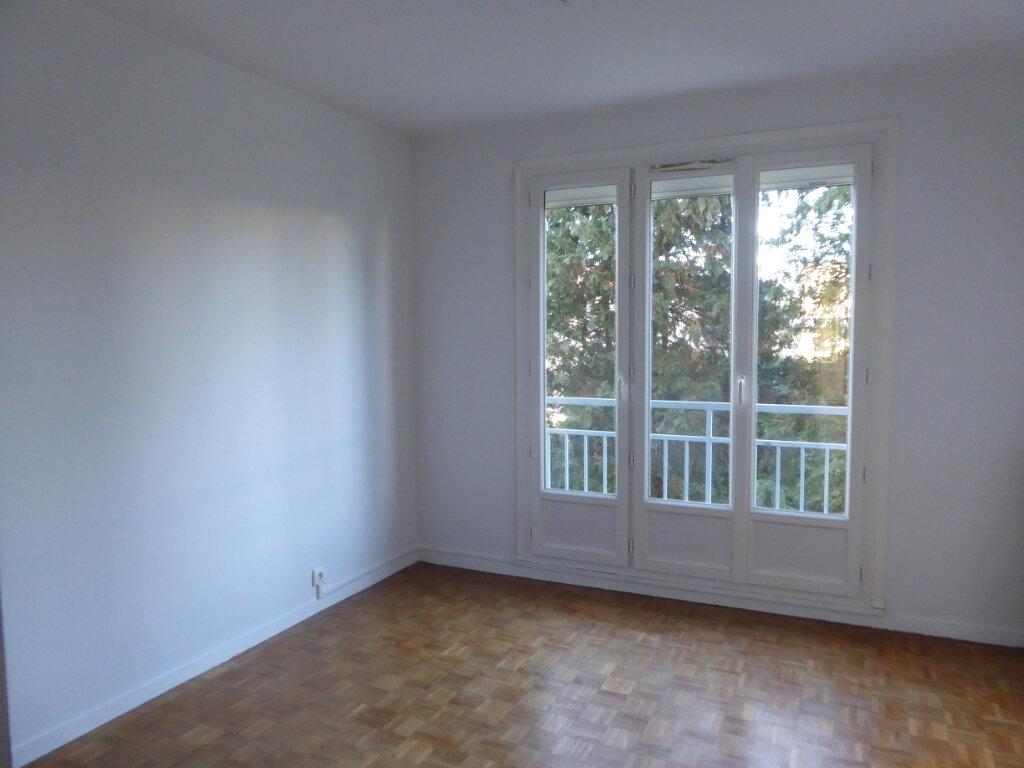 Appartement à louer 3 62.69m2 à Limoges vignette-4