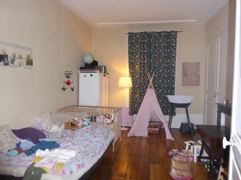Appartement à louer 3 93.81m2 à Limoges vignette-3