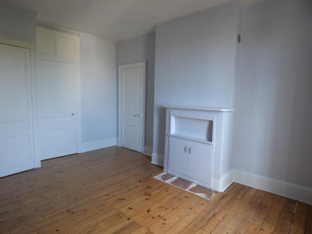 Appartement à louer 4 100m2 à Limoges vignette-5