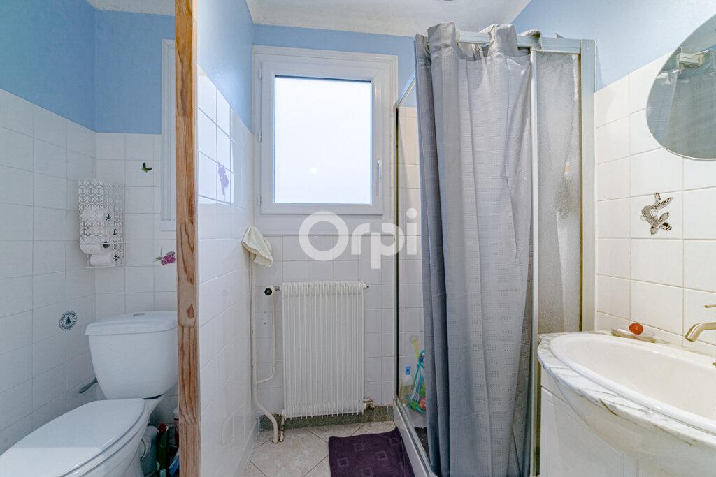 Maison à vendre 3 60.42m2 à Le Palais-sur-Vienne vignette-7