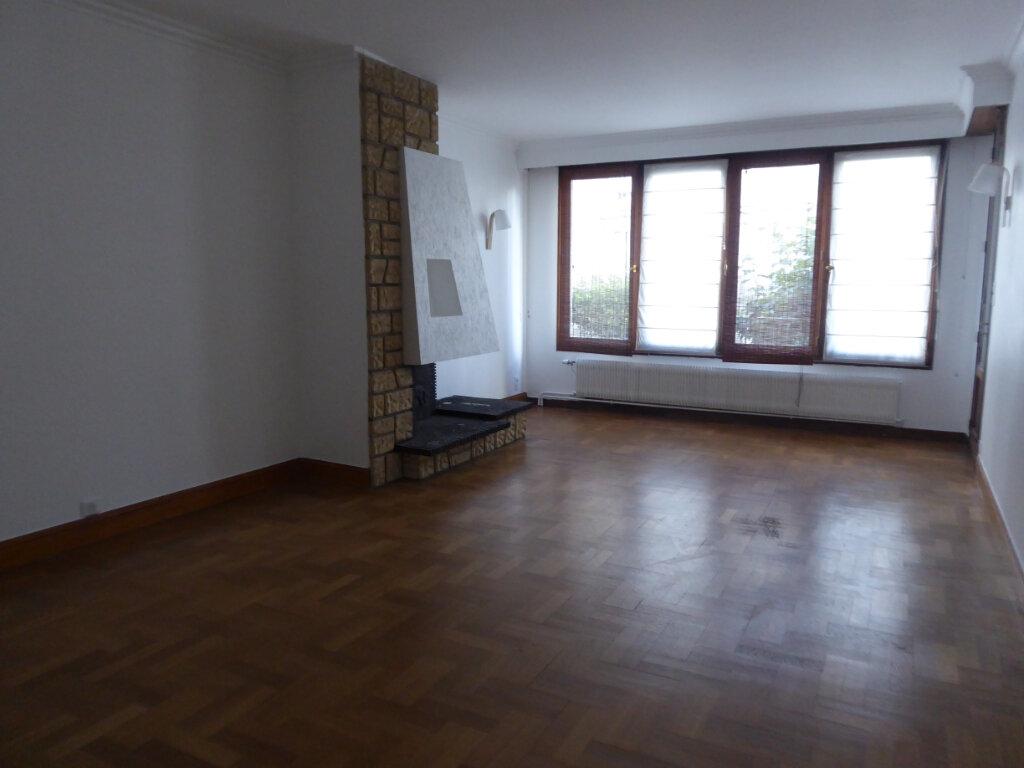 Appartement à louer 4 93.21m2 à Limoges vignette-1
