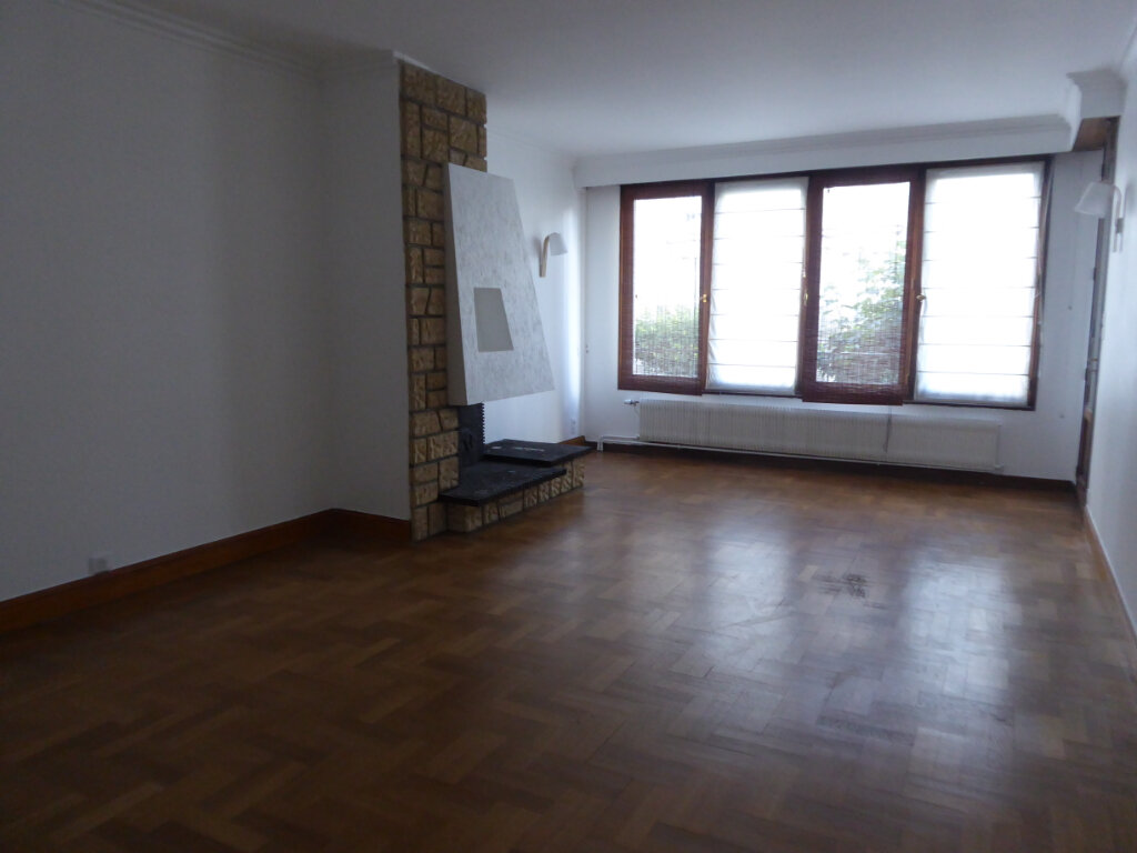 Appartement à louer 4 93.21m2 à Limoges vignette-2