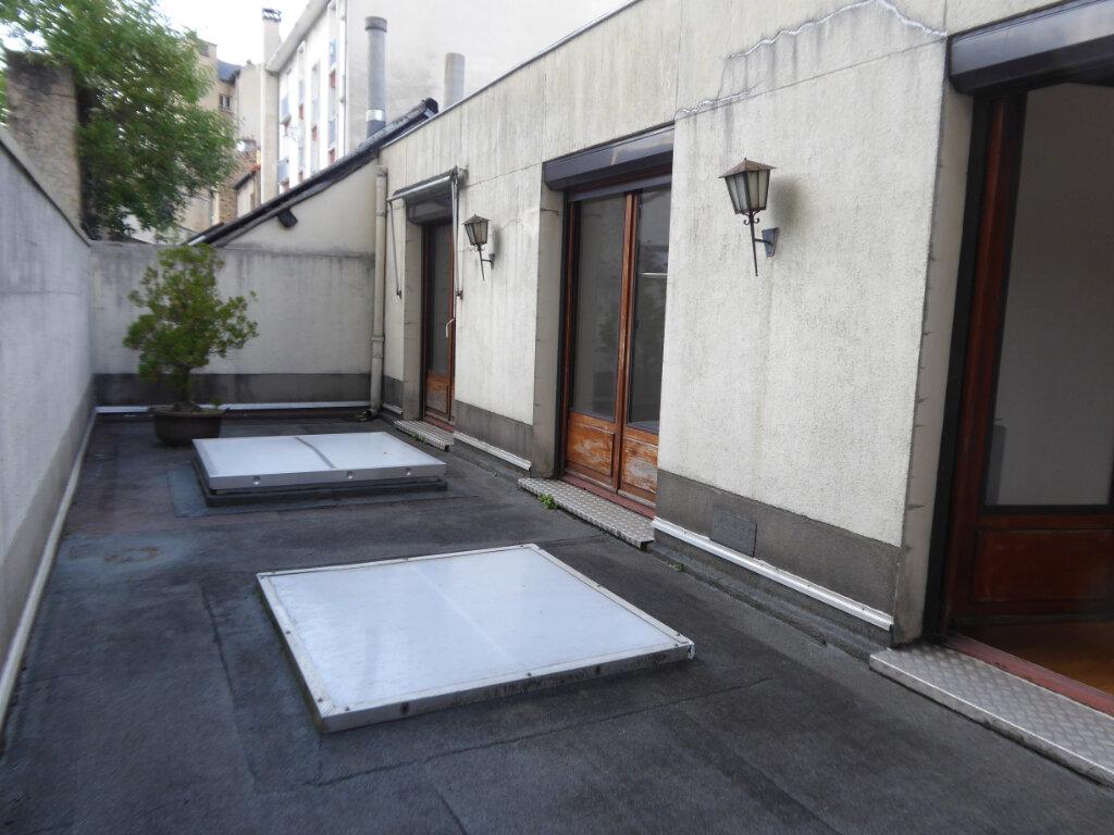 Appartement à louer 4 93.21m2 à Limoges vignette-3
