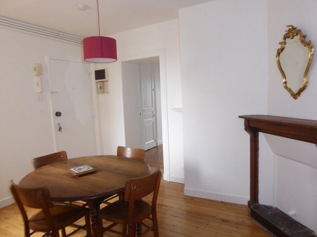Appartement à louer 3 52.58m2 à Limoges vignette-4