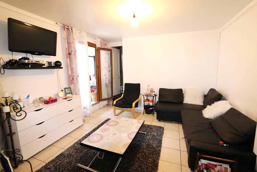 Appartement à vendre 2 32m2 à Livry-Gargan vignette-2