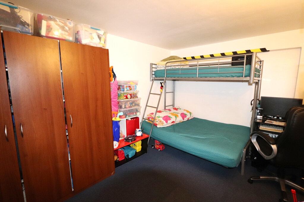 Appartement à vendre 2 32m2 à Livry-Gargan vignette-3