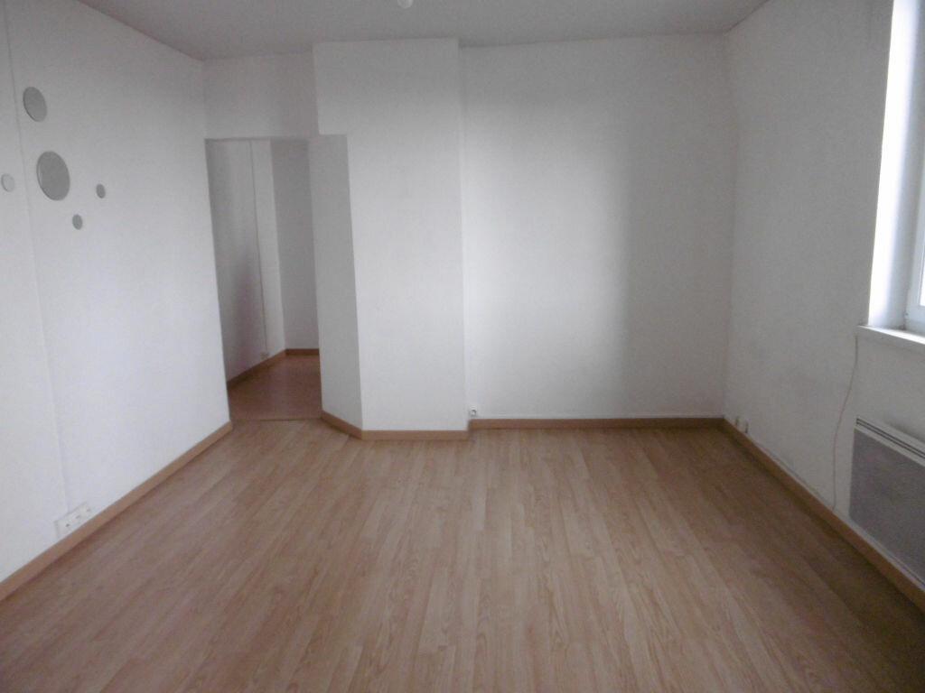 Appartement à louer 2 36.92m2 à Reims vignette-1