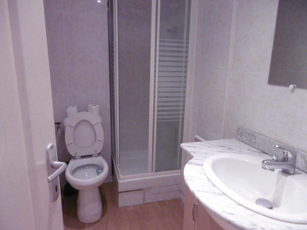 Appartement à louer 2 36.92m2 à Reims vignette-4