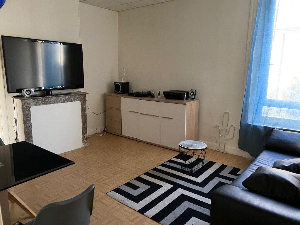 Appartement à louer 2 35.09m2 à Reims vignette-1